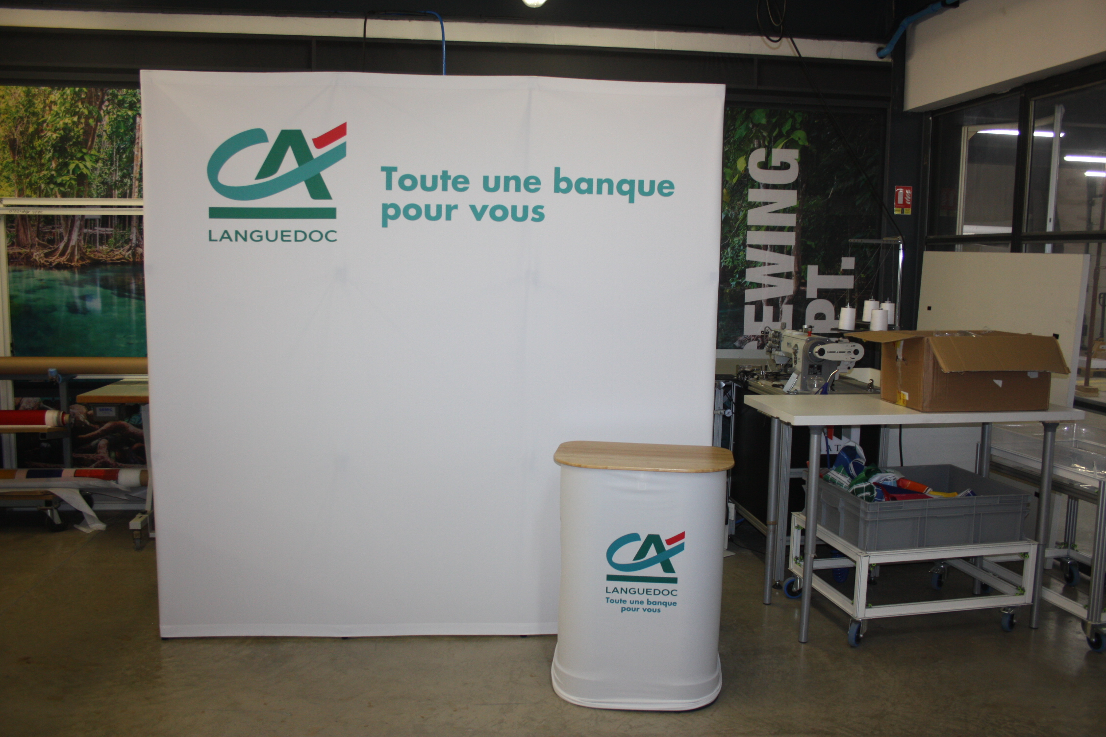 aquequatexpo-blog-Stand parapluie Xtension 3x3Credit Agicole