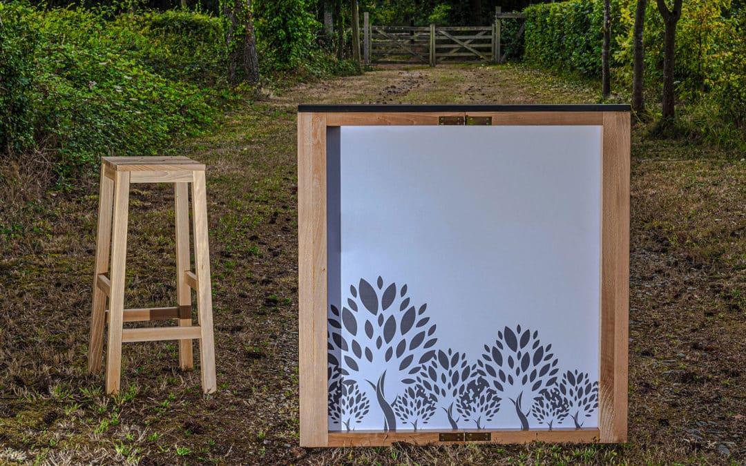 Le premier comptoir pliable 100% bois pour une communication réutilisable !